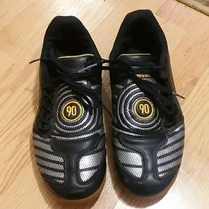 Nike indoor soccer black sneakers kids size 5.5